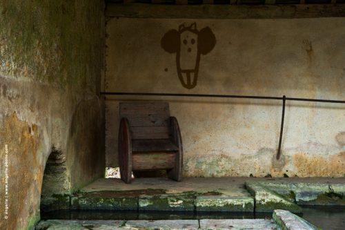 photo © angelle lavoir village dessin d enfants siege campagne peinture rupestre main