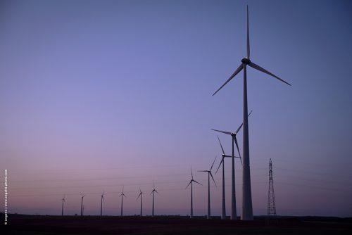 photo © angelle éolienne paysage énergie crépuscule ligne géant vent