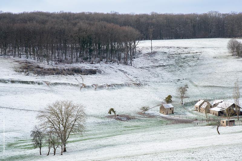 photo © angelle hameau neige paysage bout de vallee etrange peinture