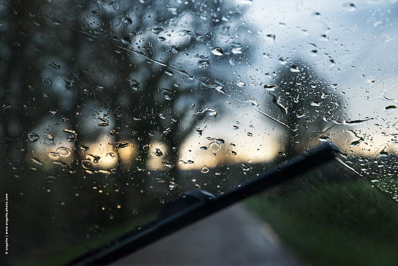 photo © angelle pare brise campagne pluie essuis glace mouvement soir route conduire reve